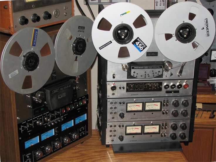 Pioneer Rt-2044 and Akai GX-400D-SS in Phantom productions' vintage recording collection