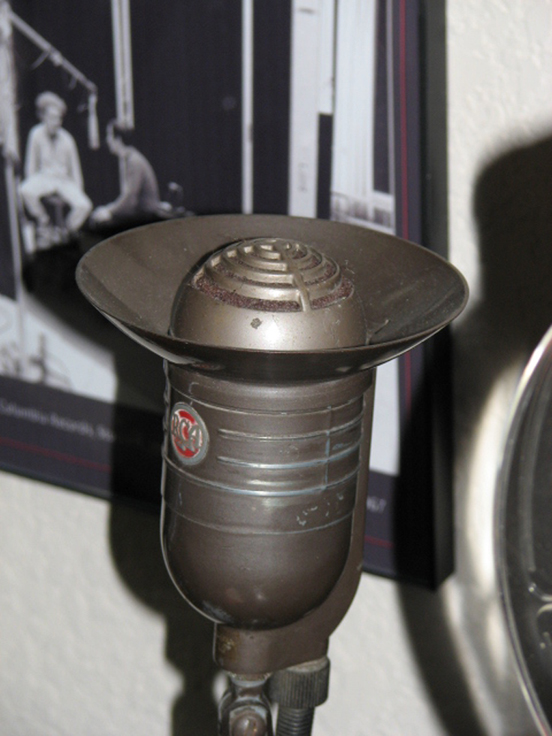 Areopressure microphone in Reel2ReelTexas.com's vintage recording collection