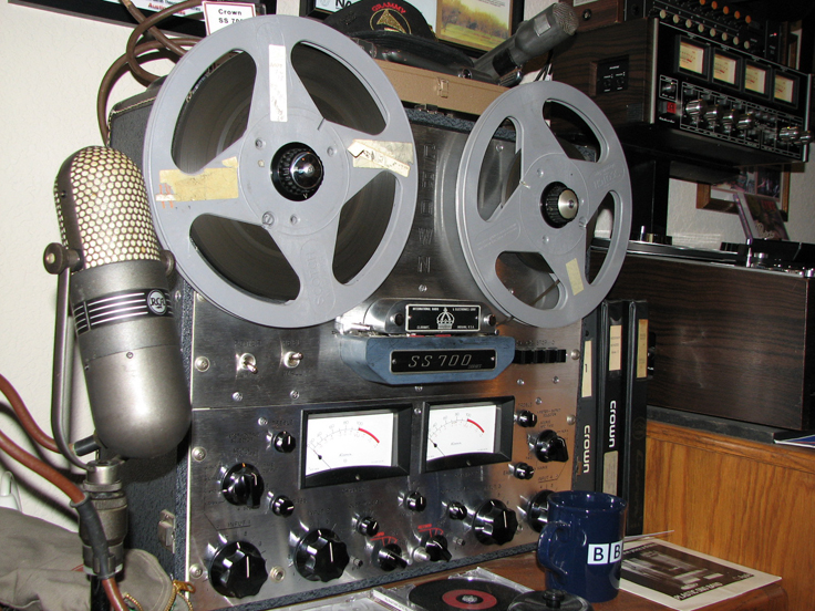 RCA 77DX microphone and Crown SS700 professional reel to reel tape recorder in Reel2ReelTexas.com's vintage recording collection