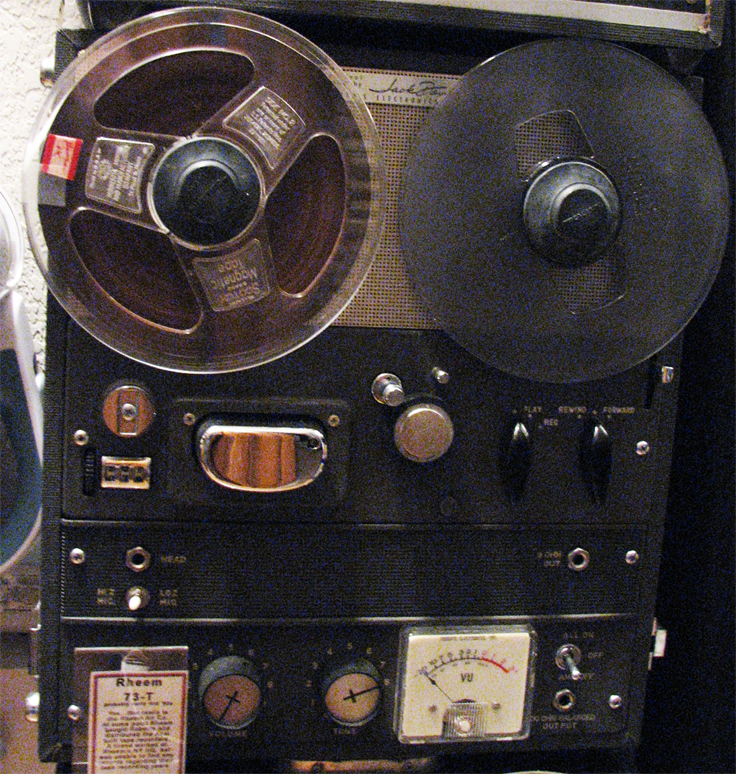 "Roberts 192 with ""Design by Jack Davis"" plaque in Reel2ReelTexas.com vintage reel to reel tape recorder collection"