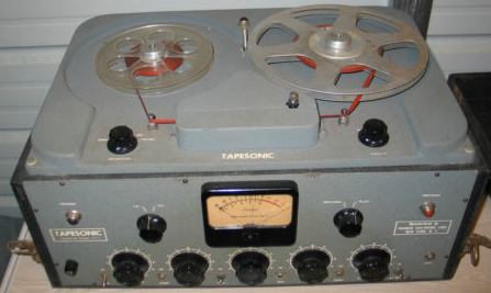 Tapesonic 70-a reel to reel tape recorder photos in the Museum of magnetic Sound Recording