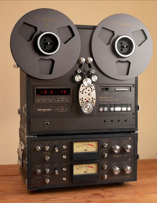 Technics RS-1800 reel to reel tape recorder photo in the Museum of Magnetic Sound Recording