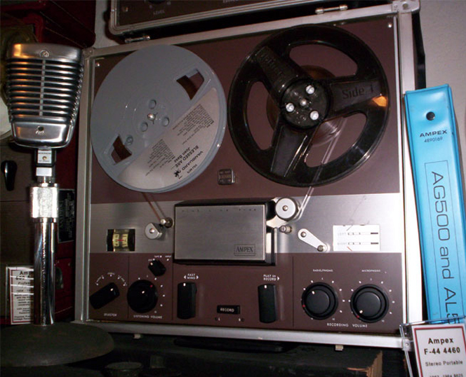 picture of Ampex F-44 in Phantom vintage recording museum