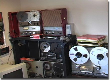 picture of Ampex 351 with other Ampex tape recorders
