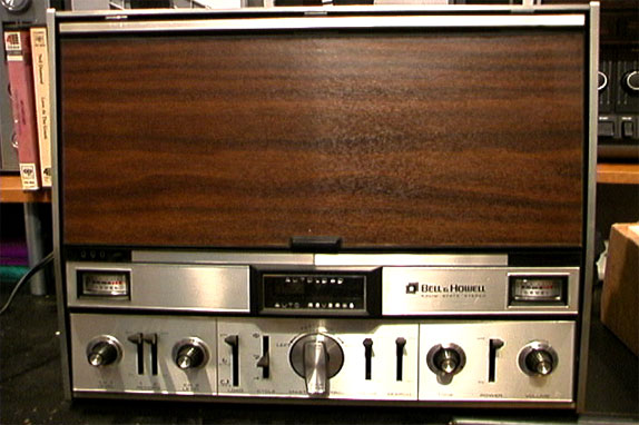 picture of Bell & Howell 2297 reel tape recorder with vaccum loading