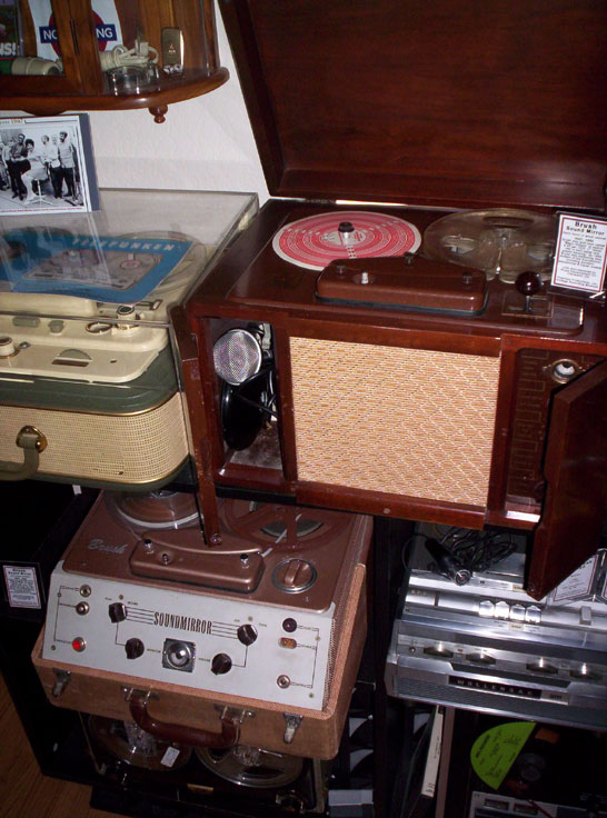 Brush Sound Mirror tape recorders in wooden cabinet and portable versions in Phantom's vintage tape recording collection
