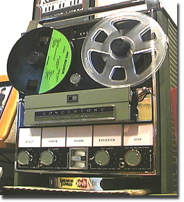 picture of Concertone 800 Series tape recorder