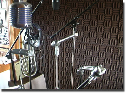 pictures of variety of microphones