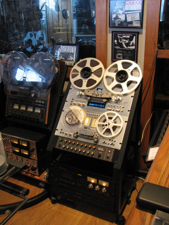 Pioneer RT909 & RT 707 in Phantom Productions vintage reel to reel tape recorder collection