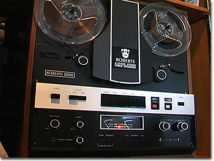 picture of the Roberts 1000 audio and black and white video recorder combination