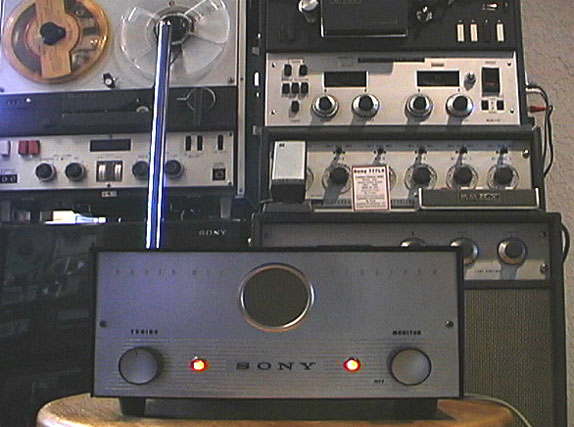 picture of Sony CR-4 wirless microphone system