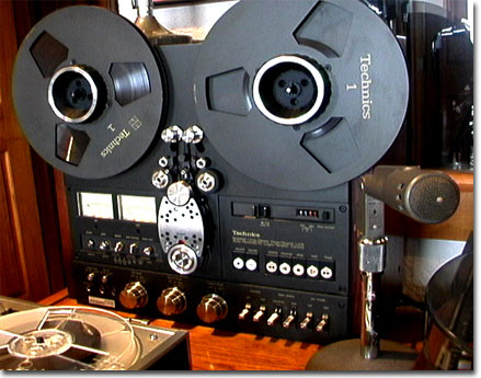 picture of Technics RS-1700 with dust cover in Phantom's vintage reel to reel tape recorder collection
