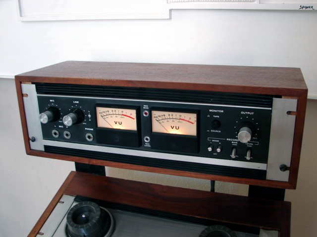 Teac  7030 in original Teac Rack